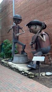 Banjo & Wash-tub Base Main Street @ Miller Waynesville, NC