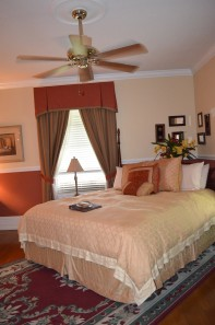 Wonderful King-size Bed Library Suite Andon Reid Bed & Breakfast Inn