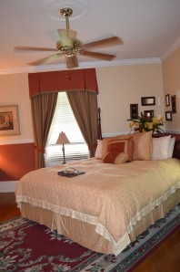 Wonderful King-size Bed Library Suite Andon Reid Bed & Breakfast Inn